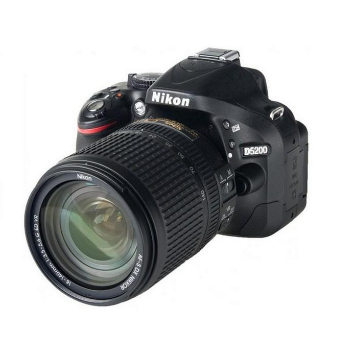Зеркальный фотоаппарат Nikon D5200 Kit (18-140 VR) Black